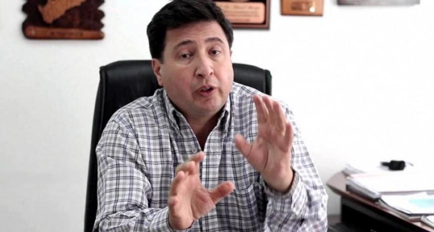 Arroyo pidió la renuncia del funcionario que autorizó las compras a precios cuestionados