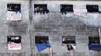 Construirán centros de aislamiento modulares para presos en la provincia de Buenos Aires
