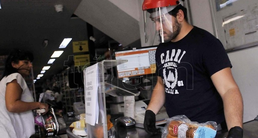 Sin salidas recreativas, La Plata prepara un plan para reabrir 7.420 comercios