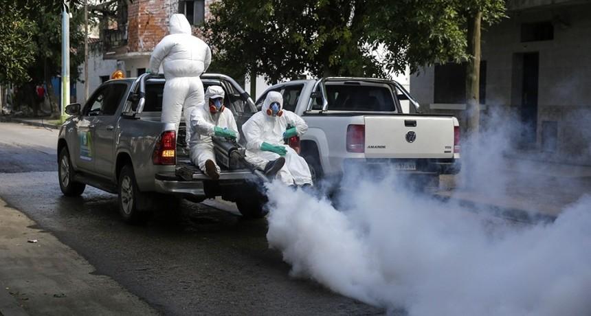 Más de 5.000 casos de dengue, casi el triple del pico histórico