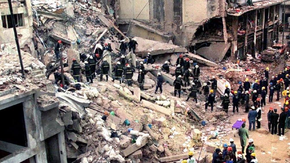 Faurie y Pompeo rindieron homenaje a las víctimas del atentado