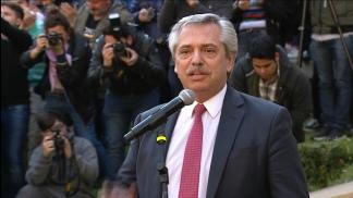 Fernández habló con el embajador de EEUU, que